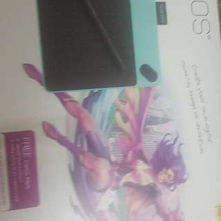 BRAND NEW INTUOS COMIC CREATIVE PEN& TOUCH TABLET..1 YR WARRANTY