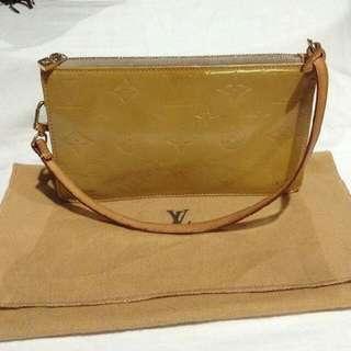 Authentic Louis Vuitton Vernis Mini Pochette