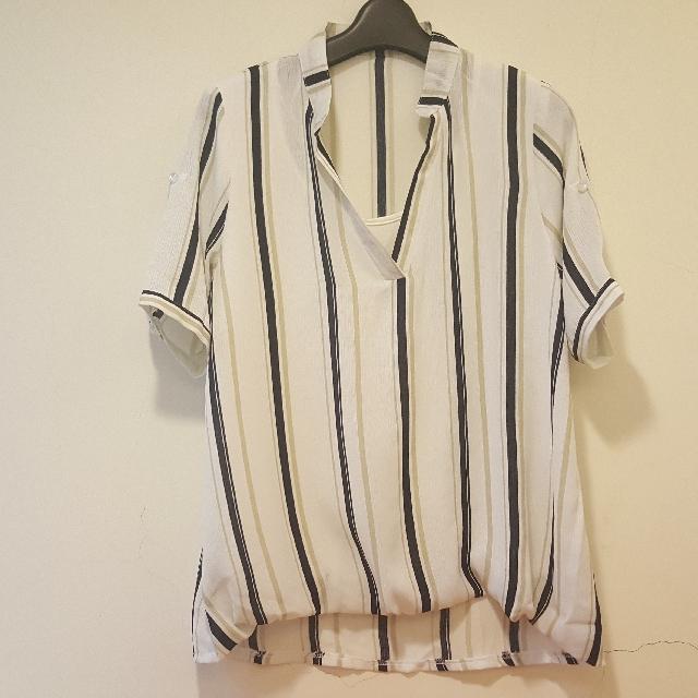 全新 含運直紋配色V領造型短袖襯衫 深藍 米白