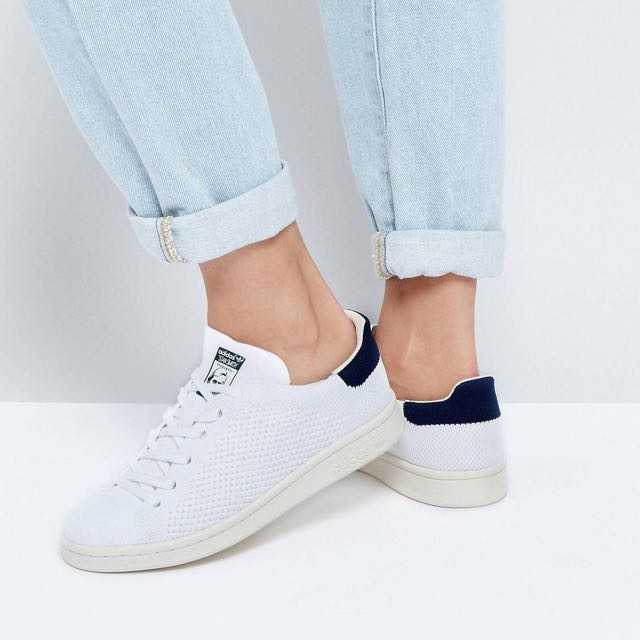 the latest ba1d5 7aaa4 adidas Original Primeknit white and Navy Stan Smith Trainer