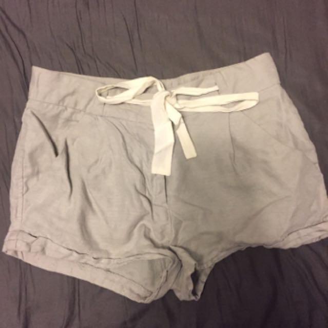 Aritzia Allegra Shorts
