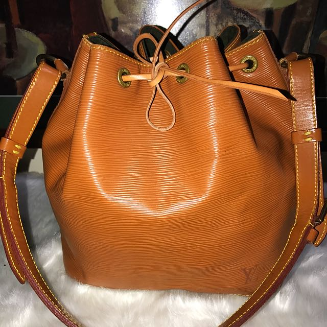 Authentic Vintage Louis Vuitton Epi Leather Petit Noe