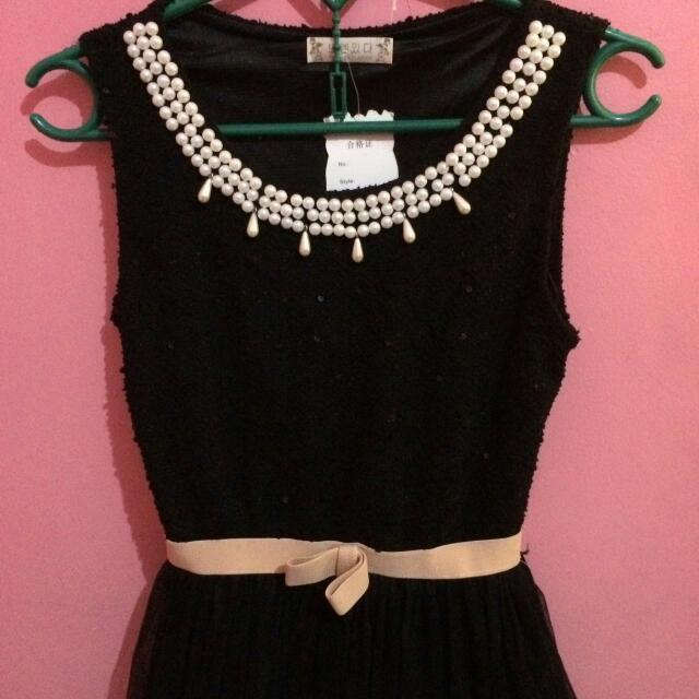 Black Dress Pearl