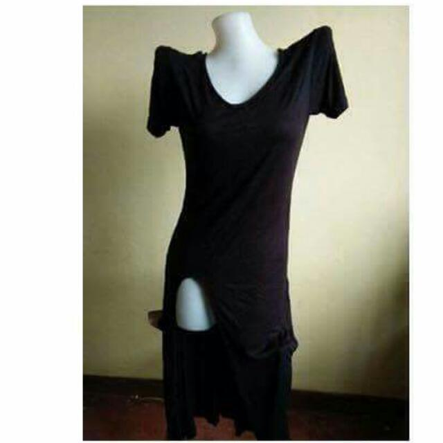 black dress w/slit