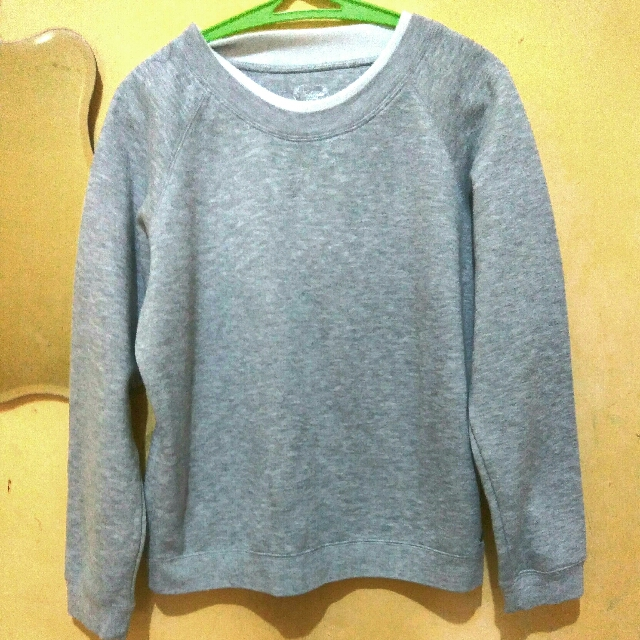 Reprices Evie Authentic Basic Sweater