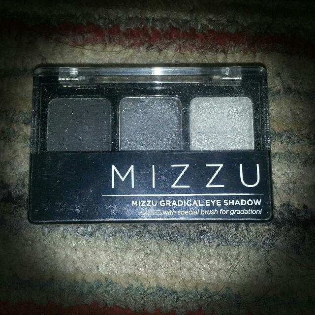 Eyeshadow Mizzu