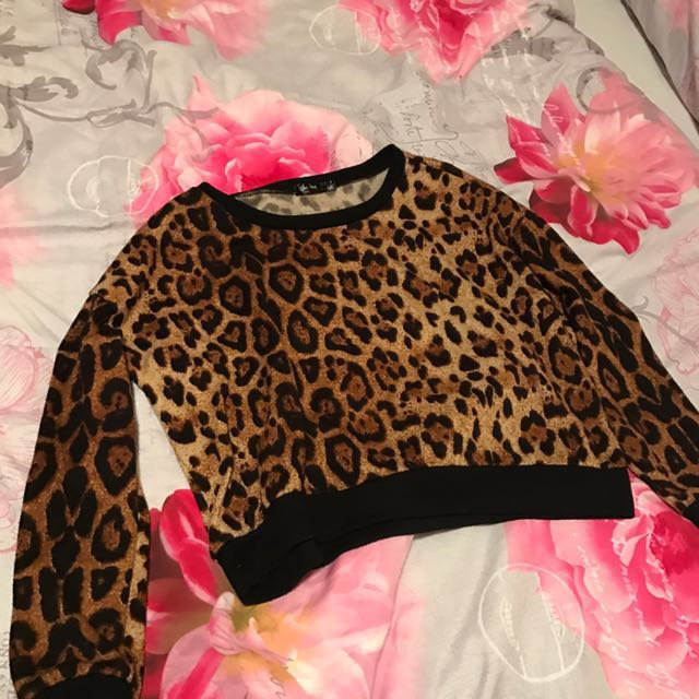 Leopard Crop Top Full Sleeves
