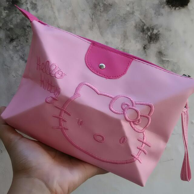 NEW MAKE UP POUCH HELLOKIITY
