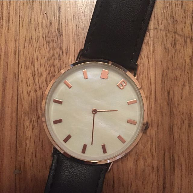 Pearl Faced Watch