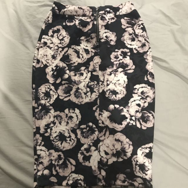 Portmans Floral Highwaisted Skirt