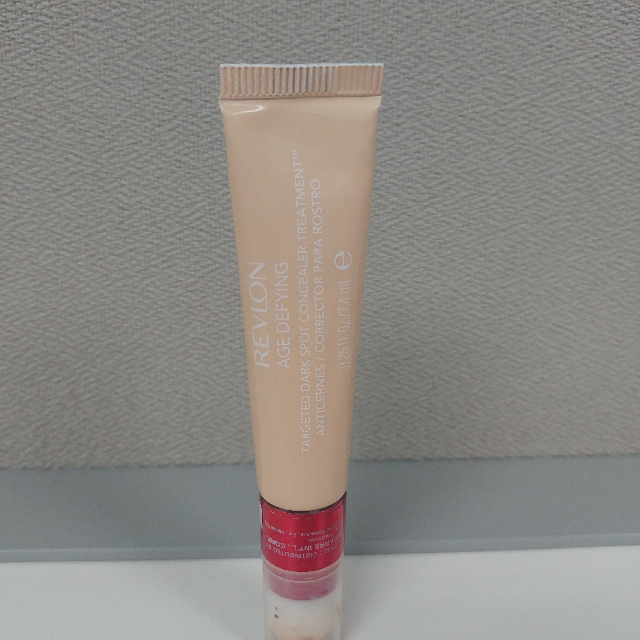Revlon Age Defying Concealer (Light Medium)