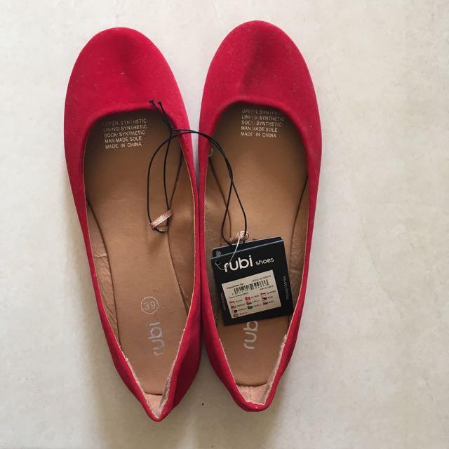 Ruby Red Flats sz 39