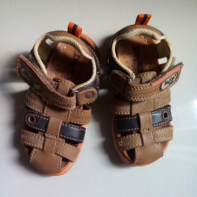 Sepatu anak Day ton Kids