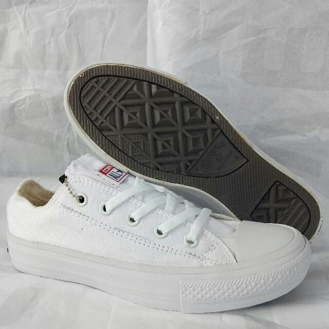 Sepatu Converse Allstar Chuck Taylor Full White Grarade Ori Cwe Cwo 224a12028e