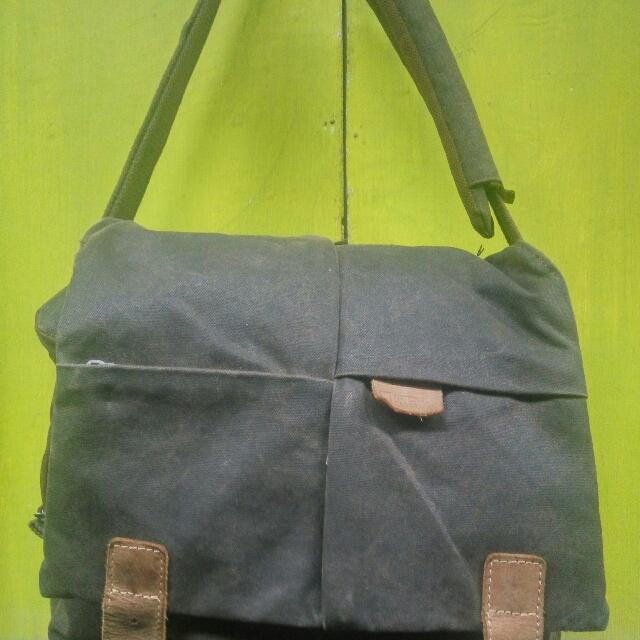 slingbag national geographic