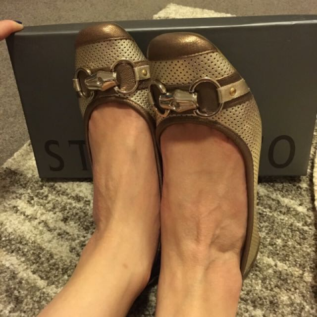 STACCATO Broach Gold Pump Size 230 Brand New