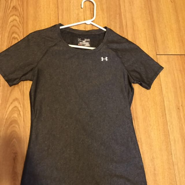 Under armour XS (fits small as fitted)