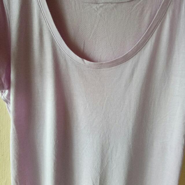 Uniqlo Light Purple Tshirt Large