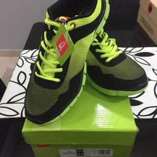 sport shoe New Kronos
