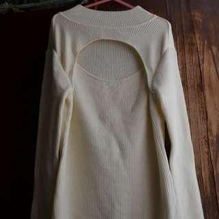 白色開胸毛衣