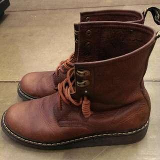 靴子 (Timberland,Martin,馬丁,Red Wing可參考)US10 44號