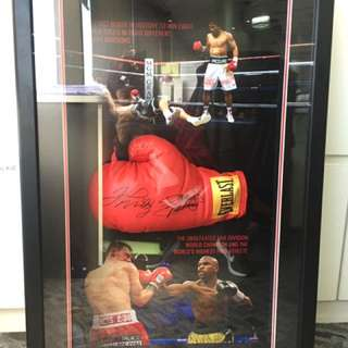 Pacquiao v Mayweather Signed Gloves