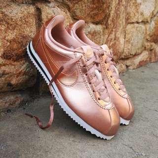 玫瑰金阿甘鞋