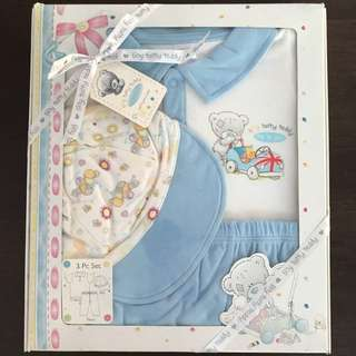 Baby gift sets: Me to you bear