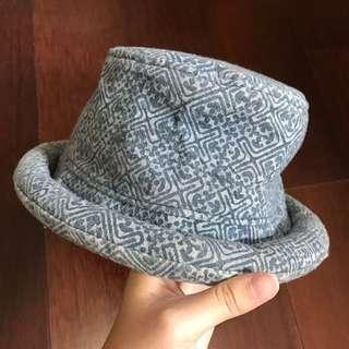曼谷帽(牛仔藍圖騰風)付實戴照