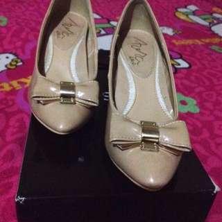 Nude chucky heel shoes