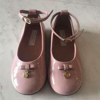 Doloe & Gabbana 粉紅色公主經典款鞋(專門店不會有折)9成新有23號及24號