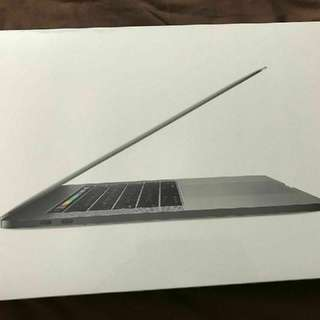 Macbook pro 2017,15inch Retina LED, 2.9Ghz, Touch bar