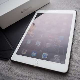 "90% New iPad Pro 9.7"" 32GB Wifi Silver"
