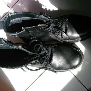 Sepatu Lars Polri/Tentara/Satpam