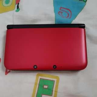 Nintendo 3DS XL + 2 Games