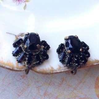 獨特美國古董歌德式耽美風格黑色切割玻璃萊茵石栓鎖耳環