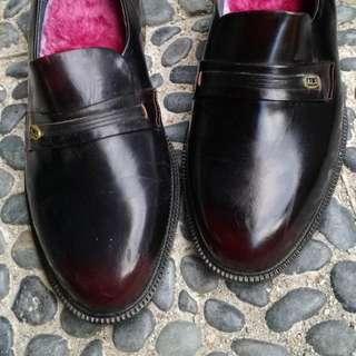 Sepatu pantofel kulit luxury