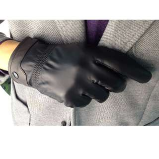 Smooth textured Sheepskin riding and driving gloves