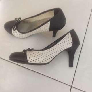 Black n White heels