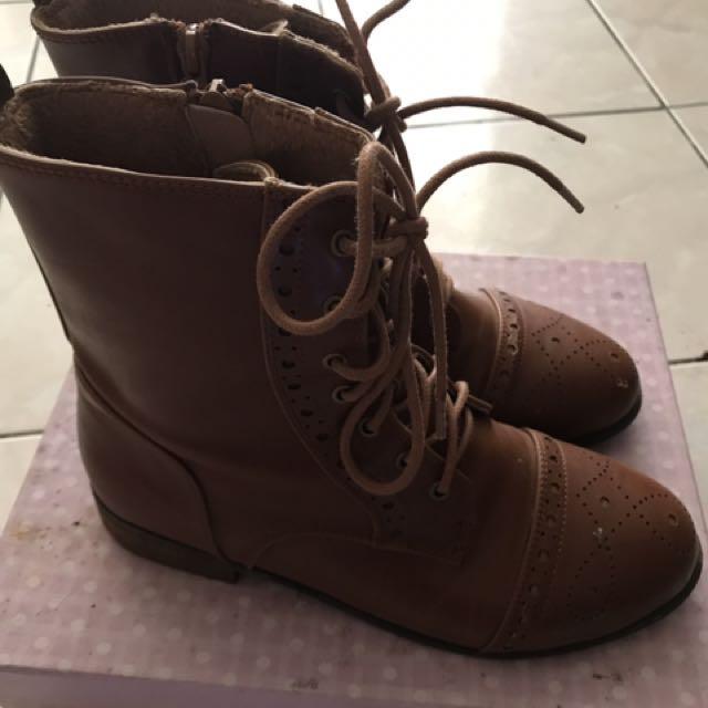 鞋櫃大出清💥💥咖啡色皮靴~