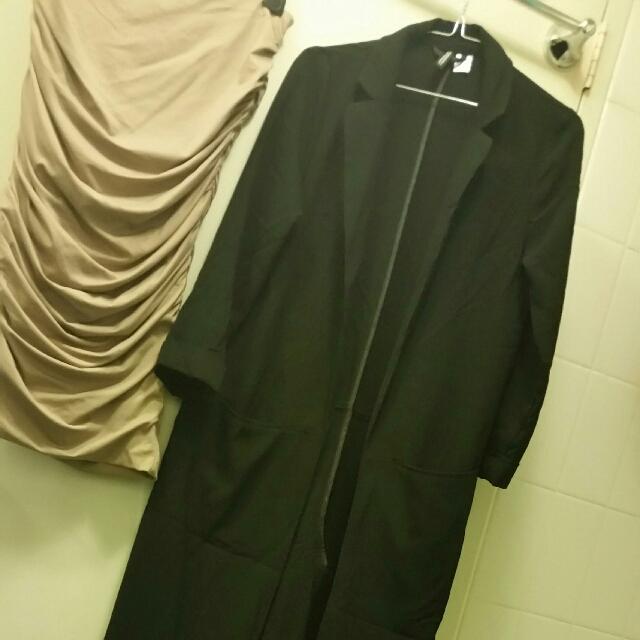 (Aus 8/ Euro 36)H&M Below knee Length light Coat