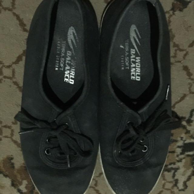 Auth world balance shoes size 36