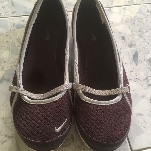 Authentic Nike Casual Shoes