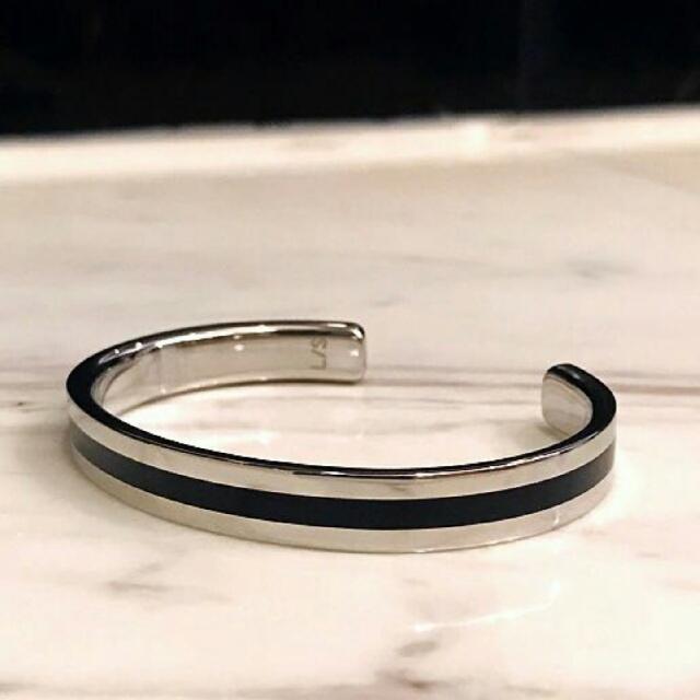 收購CK  C型環XS, 本人超愛這個C型環的,請問是否有人願意割愛。 拜託!拜託!賣我啦!