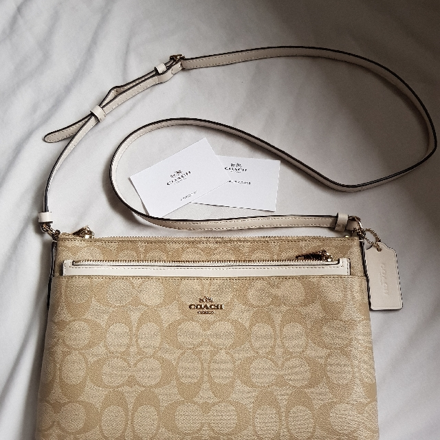 Coach Peyton Swingpack With Pouch