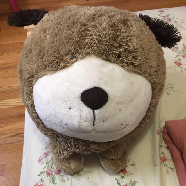 Cute stuffed animal (bear plushie)