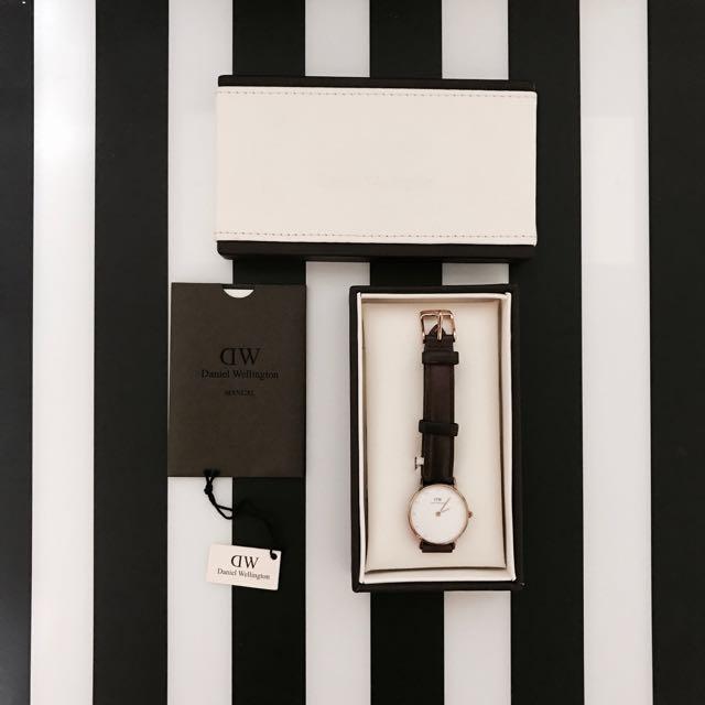 Daniel Wellington 26mm 水鑽棕色皮革錶帶/金框