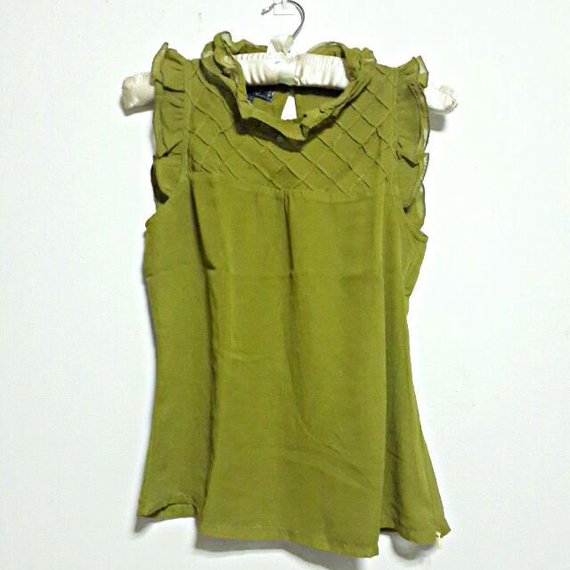 Green Blouse Verge