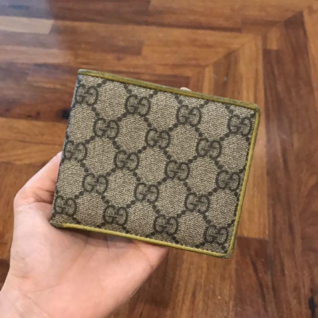 Gucci bi fold wallet
