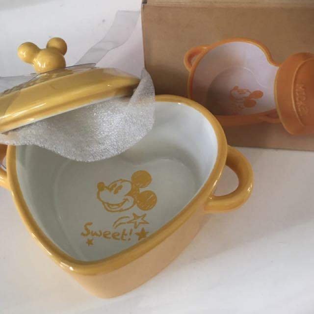 Hongkong Disney Limited Edition casserole Set !